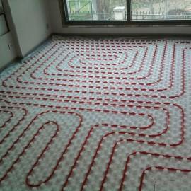 Instalación de calefacción de suelo radiante